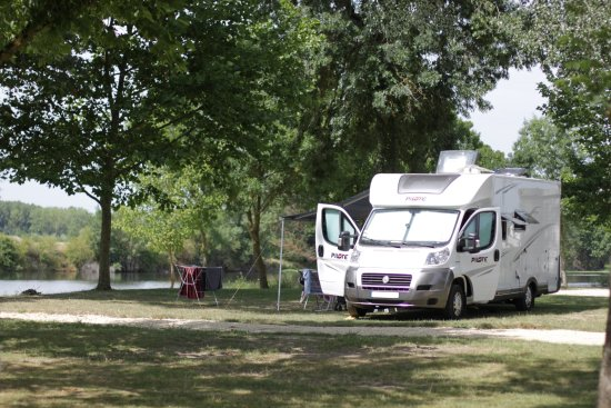 Camping les cochards seigy