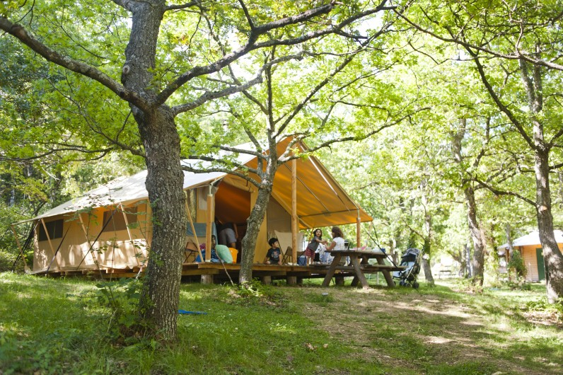 Camping huttopia dieulefit