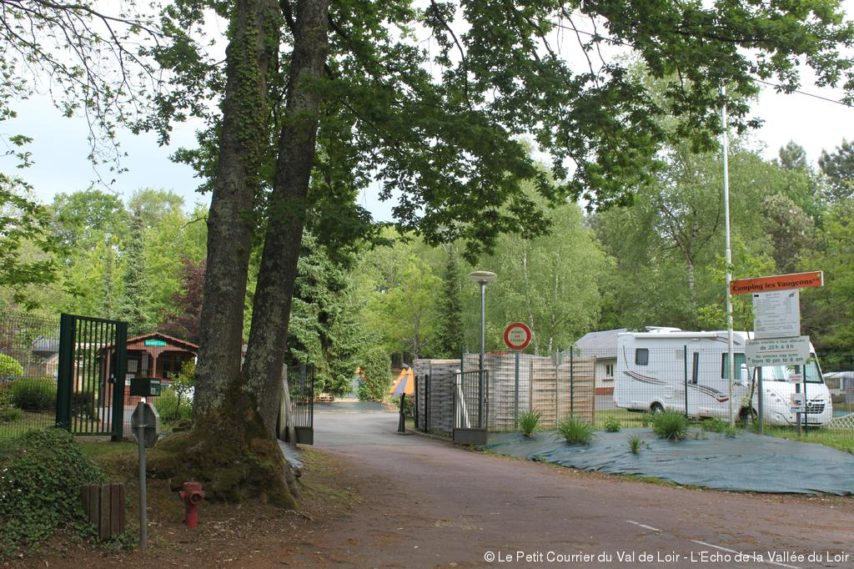 Camping ecommoy