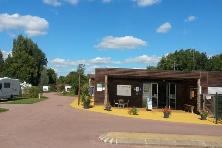 Camping yvre l'eveque